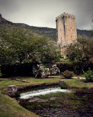 Garden of Ninfa giardino tower river