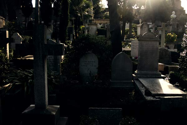 protestant cemetery Rome unusual offbeat sites travel