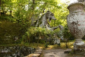 bomarzo dragon statue day trip from Rome