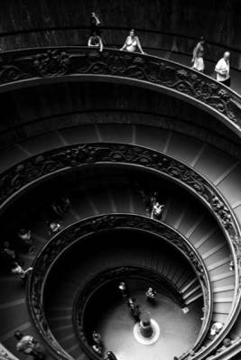 vatican-museum-rome-italy-europe-travel-spiral-staircase