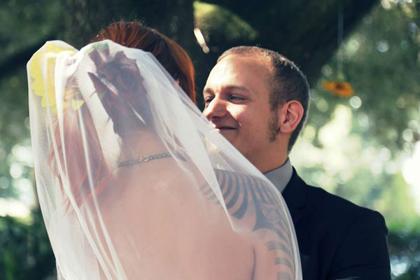 wedding bride veil tattoo alternative groom sunflowers italy outdoor