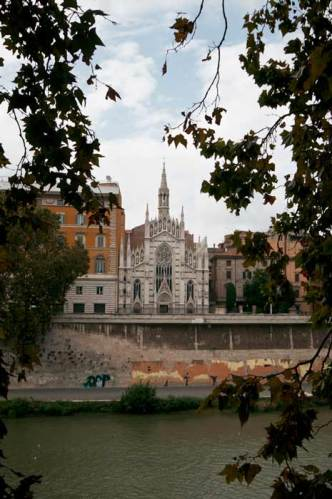 Chiesa church sacro cuore suffragio sacred heart purgatory tiber tevere rome leaves italy graffiti